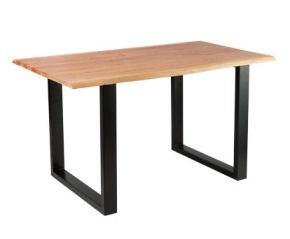 Holztisch mit echter Baumkante