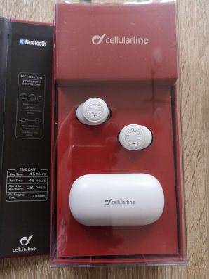 cellularline-petit-verpackung-offen